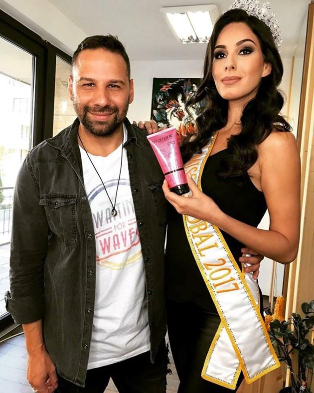 """""""Мис Бразилия"""" избра коафьора на Първата дама"""