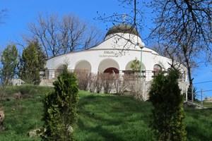 Църквата ротонда в манастира днес отваря врати.