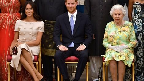 Меган и Хари криптирано съобщили на кралицата за бебето