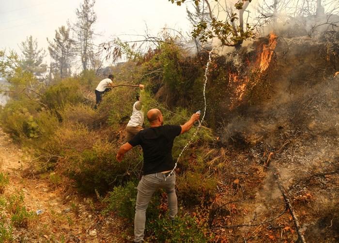Пожарите край Анталия взеха нови две жертви Снимка: Ройтерс