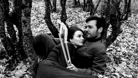 Любовни истории, започнали в българското кино (галерия)