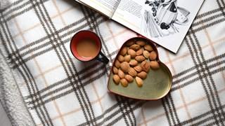 Диетологът Огнян Симеонов: Киснете ядките във вода