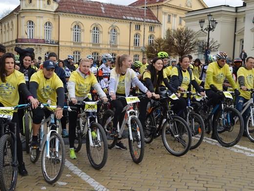 Йордан Йовчев, Жени Раданова и още куп спортни звезди ще поведат Велошествие 2021 в неделя