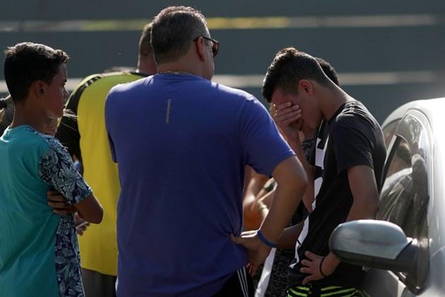 10 футболисти загинаха при пожар на тренировка в Бразилия (Снимки)