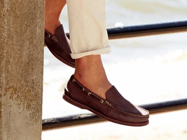 Мокасините са особено подходящи да се носят на босо.