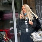 Жената на Малък Тошко го контролира по телефона (Снимки и видео)