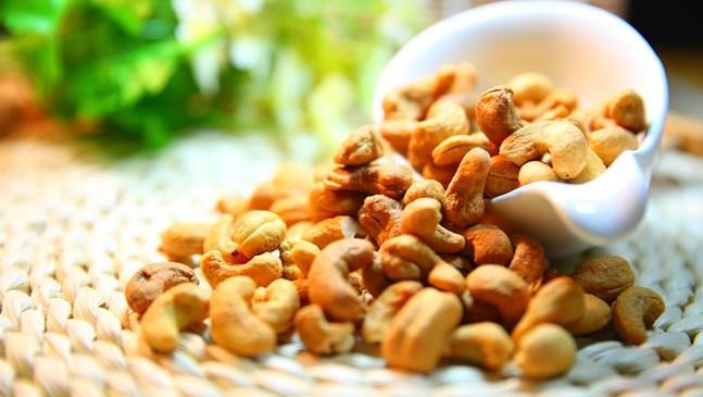Най-полезните ядки за бременната са бадеми и кашу