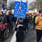 Oрганизаторите на протеста срещу Брекзит: 1 милион са били на шествието в Лондон днес (Снимки)