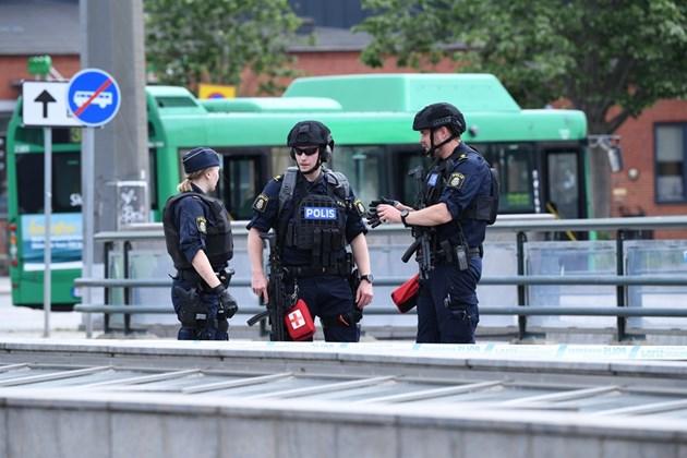 Мъж заплаши да взриви гарата в Малмьо, полицаи го гръмнаха