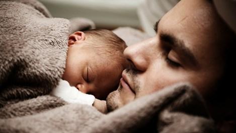 6 важни разлики между това да бъдеш баща и да бъдеш татко