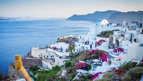 Гръцки курорти свалят цените наполовина