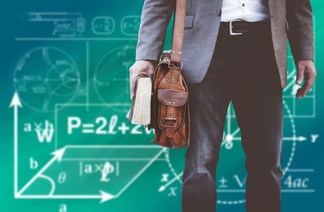 Увеличават заплатите на учителите в Северна Македония с 10% от 1 януари 2020 г.