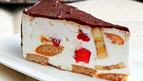 Сочна плодова торта с меденки