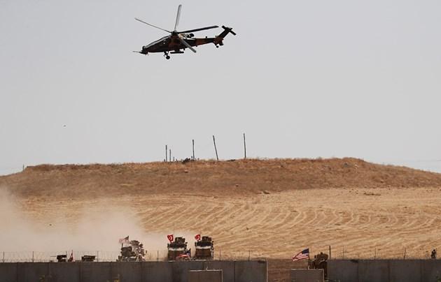 Турция бомбардира Сирия, очаква се и артилерийски огън