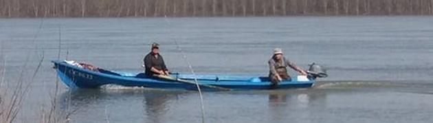 Предлагат риболовът от лодка да е платен, от брега - без пари