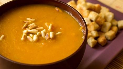 Супа от моркови и ябълки