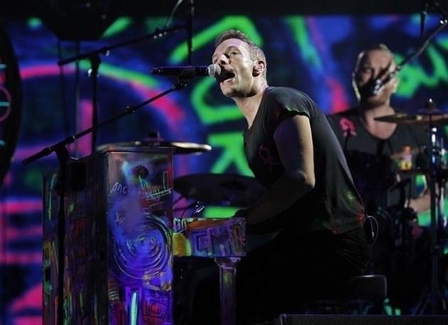 """Група """"Колдплей"""" надделя над Роби Уилямс в британската класация за албуми"""