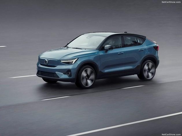 Volvo минава само на ток и онлайн, пусна електрическия C40 Recharge