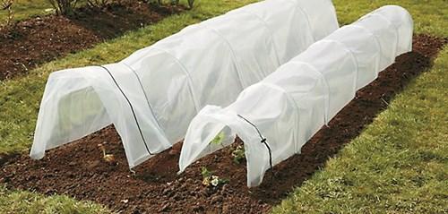 Полиетиленов тунел за разсад и ранни зеленчуци