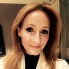"""Писателката Дж. К. Роулинг се е възстановила от """"всички симптоми"""" на болестта COVID-19"""