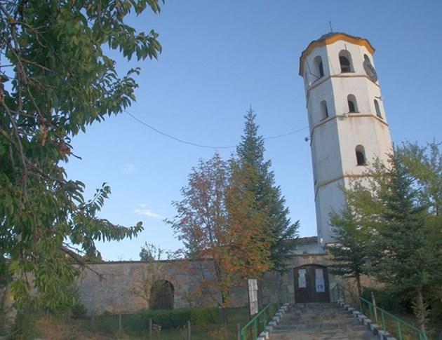 """Църквата в Павелско е една от най-големите в Родопите / Снимки: """"24 часа"""""""
