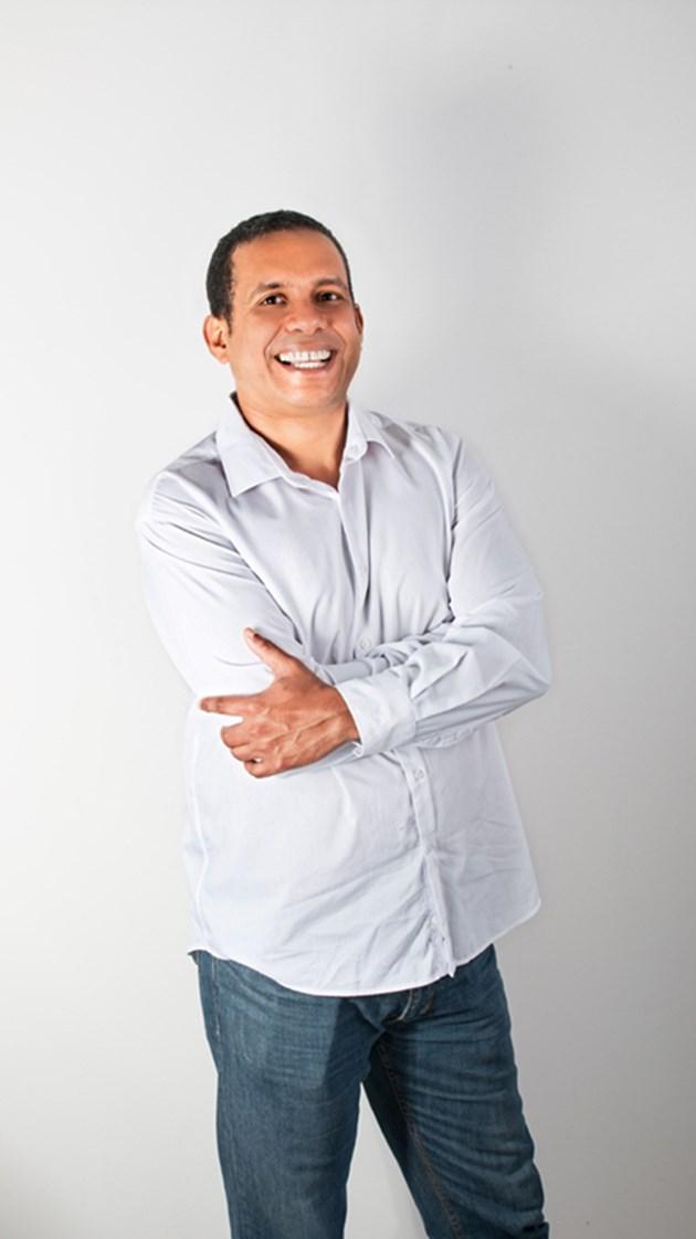 Специалистът Ернесто Нориега: Мълниите влизат през интернет мрежата