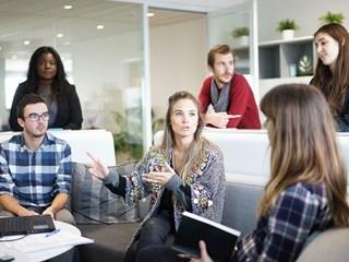 Добре ли е да споделяме лични проблеми с колегите