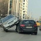 Зрелищна катастрофа в София - кола застава на две гуми, качила се върху друга (Снимки)