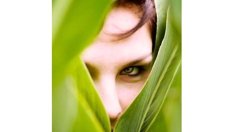Какъв грим е подходящ за зелените очи