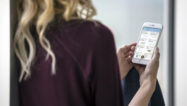 Вреди ли смартфонът на общуването ви с детето?