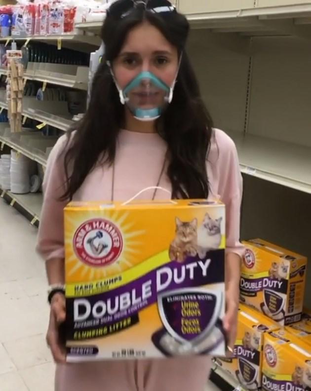 Нина Добрев: Нямам тоалетна хартия