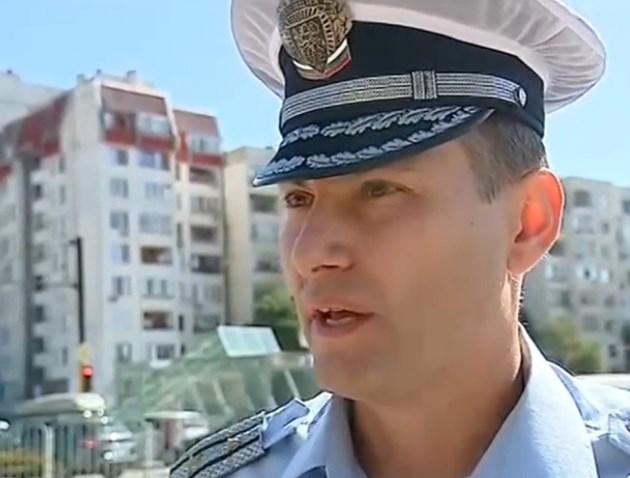 """Инспектор от """"Пътна полиция"""": Българите знаят жестоките глоби в Гърция и са кротки шофьори там"""