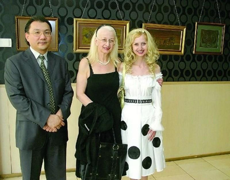 Със съпруга си Кен Нагай и покойната си дъщеря Василия