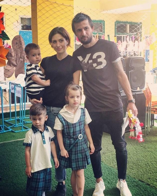 Семейство Тасевски на коледен базар