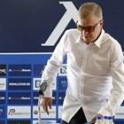 Фенове скачат на Наско Сираков за тайните пари