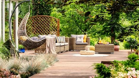 С дъх на оазис от градината: Няколко идеи, с които да превърнете двора си в райско кътче
