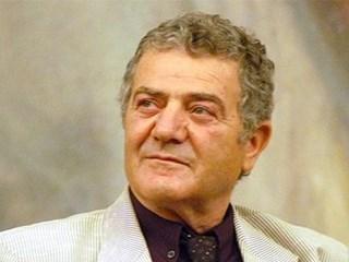 Стефан Цанев, поет и драматург: В заразната болест има нещо обидно