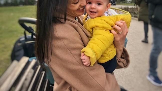 Синът на Луиза Григорова с майка си в театъра по време на репетициите ѝ