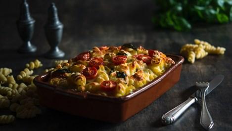 Макарони със сирене и домати