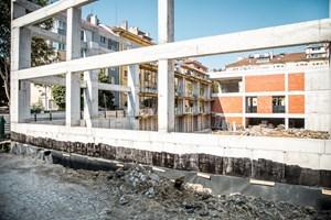 Новият корпус на Френската гимназия ще е готов за следващата учебна година.