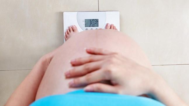 С какво темпо е здравословно да наддава бременната