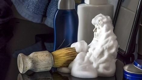 За какво служи пяната за бръснене в домакинството
