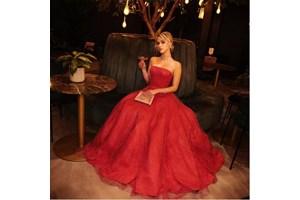 Мария Бакалова елегантна в рокля на Armani