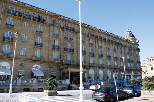 """Хотел """"Мария Кристина"""", където спят звездите по време на кинофестивала"""