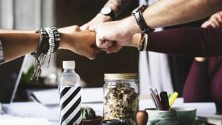 Кои жестове да не използваме на бизнес срещи
