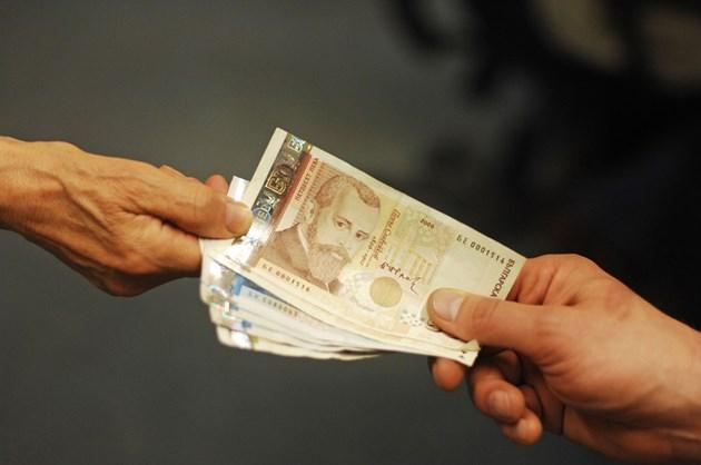 Търговци отказват пари в брой