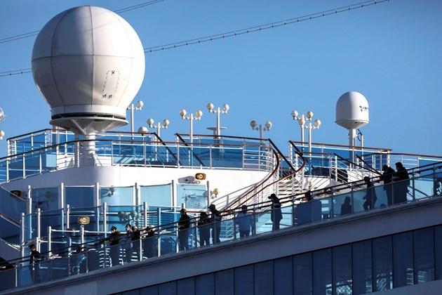 """500 пътници напускат кораба """"Даймънд принцес"""", поставен под карантина"""