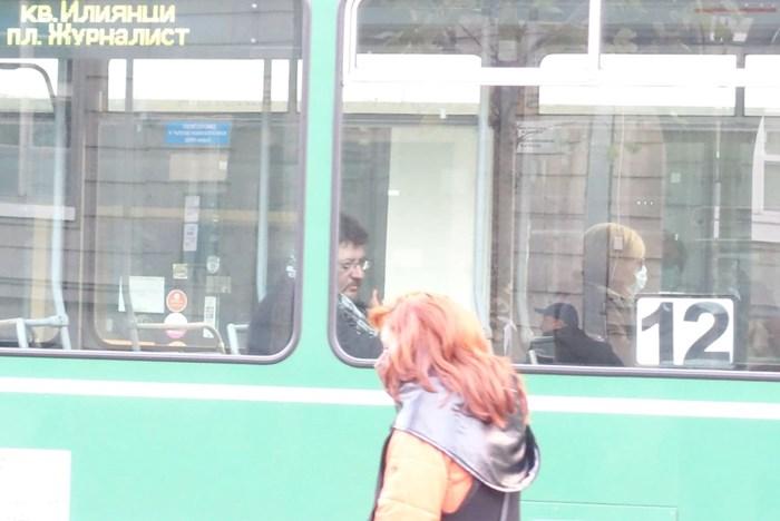 Обсъжда се дали градският транспорт в София да работи с намалено работно време