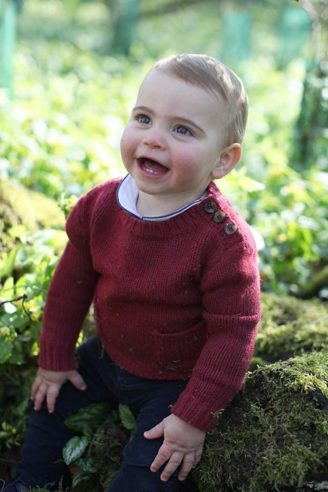 Принц Луи на 1 годинка Снимки: Ройтерс