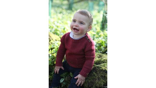 Най-малкото дете на Уилям и Кейт - принц Луи стана на 1 годинка (Снимки)